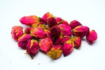 Suszone pąki róż do świec sojowych kwiaty 20 szt.