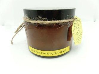 Świeca w słoiku z wosku pszczelego słodka kwitnąca wiśnia 500 ml