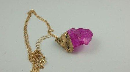 Wisiorek z różowym kamieniem  W116
