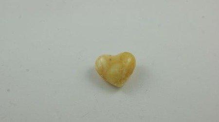 bursztyn bałtycki serce spękany biały naturalny 3,0 g